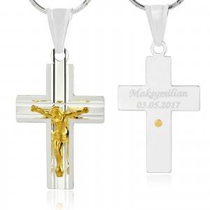 srebrny krzyżyk na pamiątkę chrztu świętego