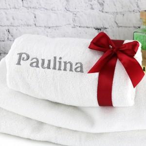 ręcznik z haftem imienia na prezent dla kobiety
