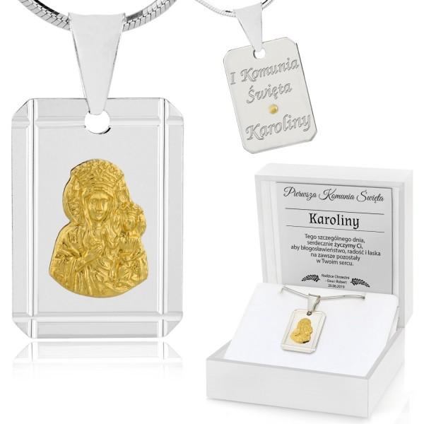 srebrny łańcuszek z medalikiem na komunię w pudełku z grawerem