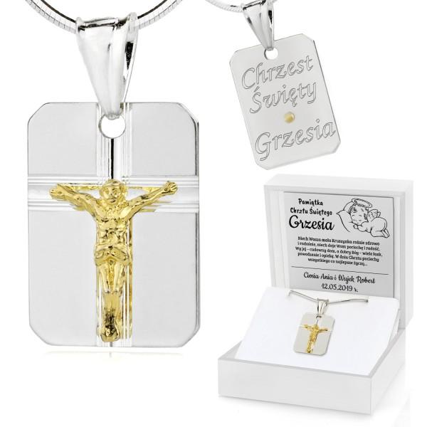 medalik na chrzest z grawerem w pudełku