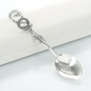 srebrna łyżeczka na chrzciny