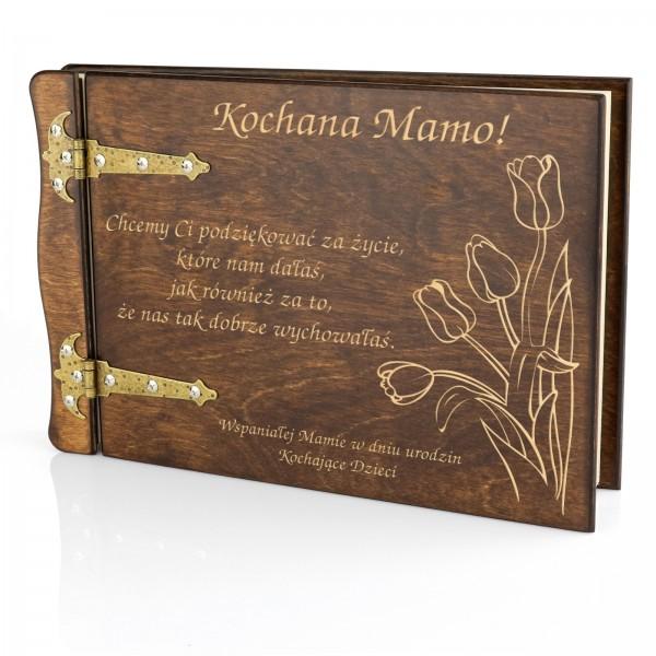 pomysł na prezent drewniany album z grawerem
