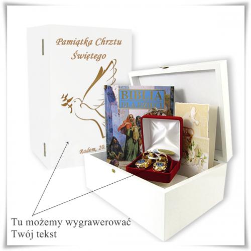 Zestaw prezentowy na chrzest w drewnianej szkatułce z możliwością graweru dedykacji