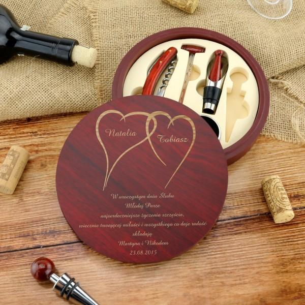 akcesoria do wina na prezent dla młodej pary