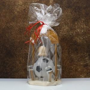 pomysł na prezent z okazji urodzin karafka piłka nożna