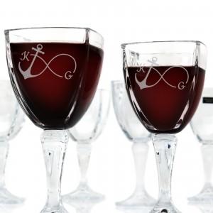 kieliszki na wino z grawerem na prezent