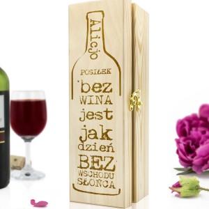 drewniana skrzynka na wino z dedykacją na prezent dla przyjaciółki