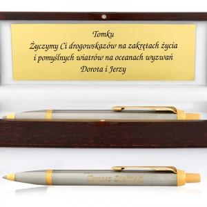 Długopis parker z grawerem życzeń w drewnianym etui