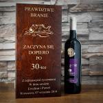grawerowana dedykacja na skrzynce na wino