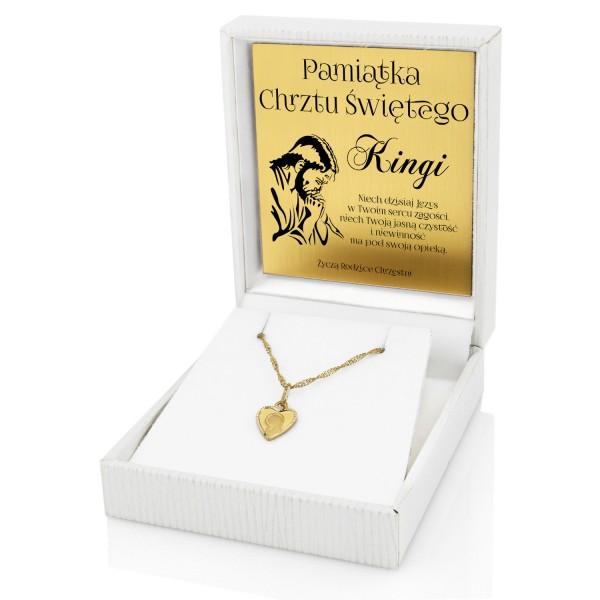 złoty medalik w kształcie serca z łańcuszkiem