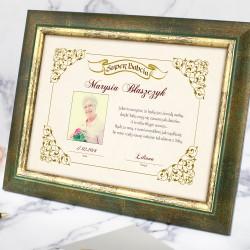 certyfikat z dedykacją w ramce na prezent dla babci