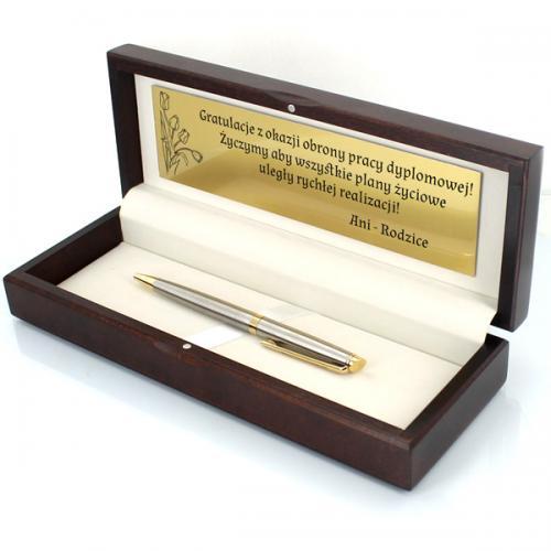 Prezent z grawerem: Długopis Waterman w drewnianym pudełku