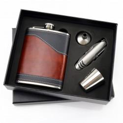 zestaw: piersiówka, lejek, kieliszek i scyzoryk w  pudełku