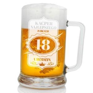 grawerowany kufel na piwo na prezent na 18 dla kolegi