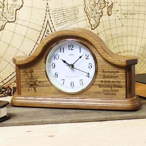 Zegar kominkowy jako prezent dla rodziców z możliwością graweru