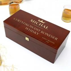 drewniana skrzyneczka na szklanki do whisky