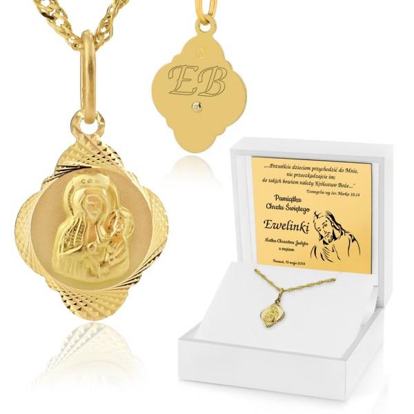 złoty medalik na chrzest w pudełku z grawerem dedykacji