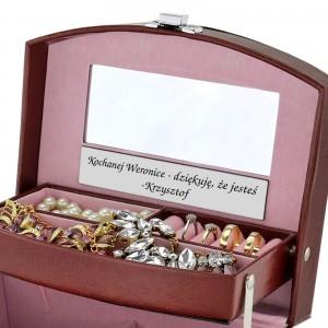 skórzany kuferek na biżuterię