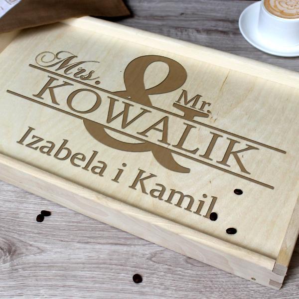 Pomysł Na Prezent Dla Niej Drewniany Stolik śniadaniowy Z Grawerem Mrs Mr