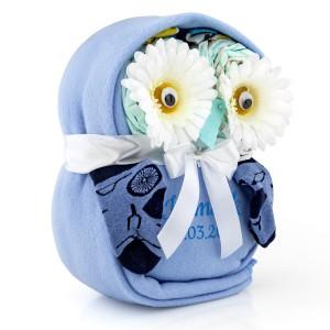 prezent dla dziecka tort z pampersów