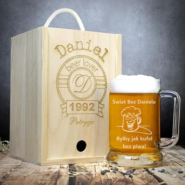kufel do piwa w skrzynce z grawerem