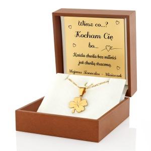 złota koniczynka pr. 585 w pudełku z personalizacją
