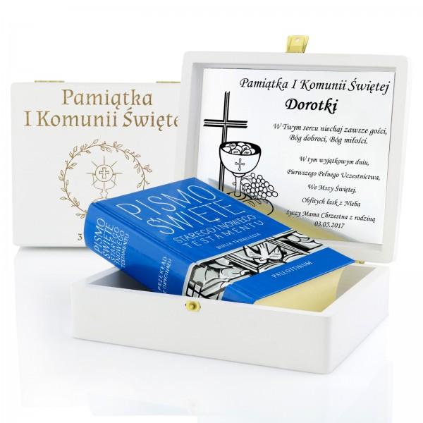 pismo święte w pudełku na prezent komunijny