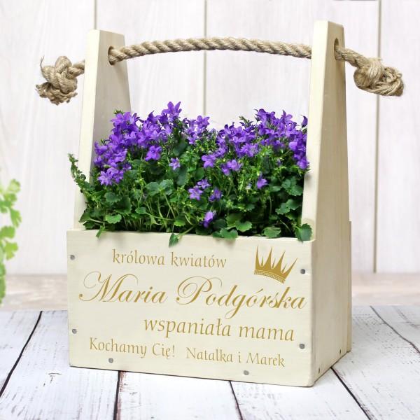 drewniana doniczka na kwiaty dla mamy