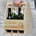 drewniana skrzynka na piwo z grawerem