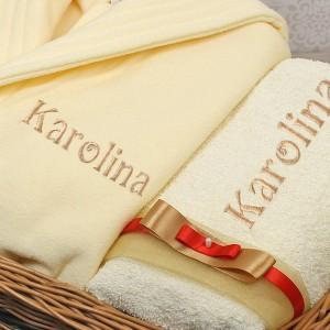 haftowany ręcznik i szlafrok na prezent