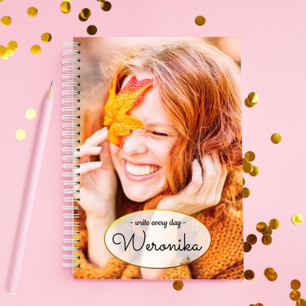 notatnik ze zdjęciem na prezent dla przyjaciółki write every day