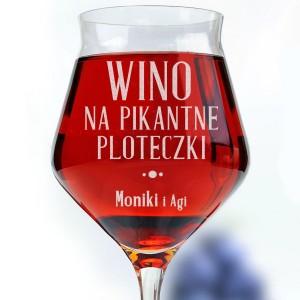 grawerowany kieliszek do wina dla przyjaciółki na upominek
