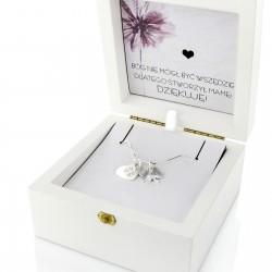 srebrna biżuteria w szkatułce z personalizacją na prezent na dzień mamy