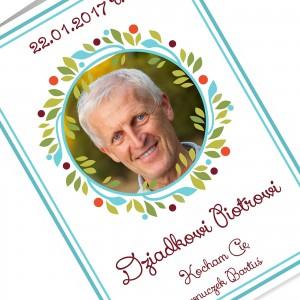 kartka z życzeniami i nadrukiem dedykacji i fotografii wnuczki na prezent na dzień dziadka
