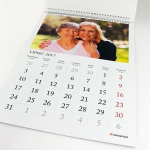 spersonalizowany kalendarz ścienny
