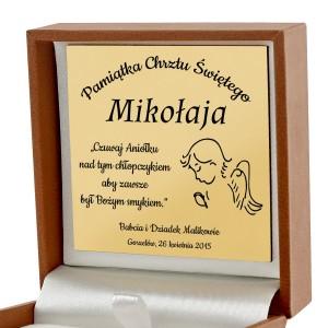 złoty medalik z matką boską na prezent na chrzest święty