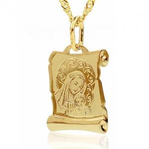 medalik ze złotym łańcuszkiem