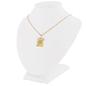 medalik z łańcuszkiem ze złota próby 585