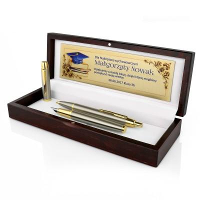 Pióro i długopis Parker w drewnianym etui z grawerem życzeń na prezent dla nauczyciela