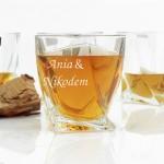 grawerowane szklanki na prezent ślubny dla młodej pary