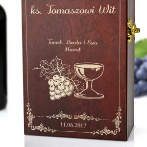 grawerowana skrzynka na wino dla księdza