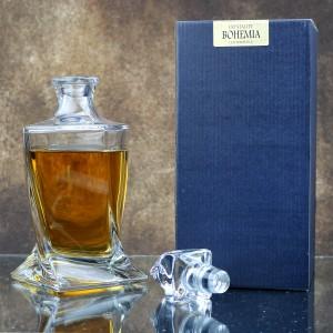 karafka ze szkła kryształowego z grawerem dla księdza