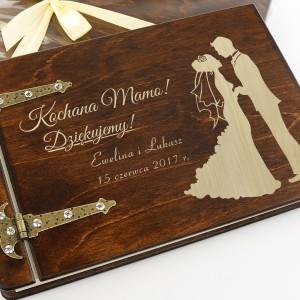 drewniany album z grawerem dla mamy