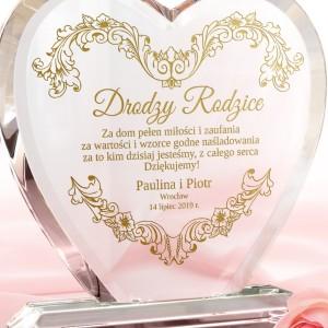 szklana statuetka z grawerem dedykacji dla rodziców