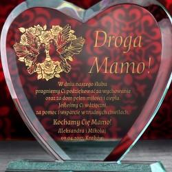 statuetka serce z grawerem życzeń na prezent dla mamy
