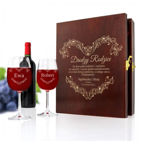 grawerowana skrzynka na wino z kieliszkami na podziękowania ślubne dla rodziców