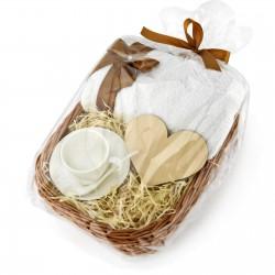 zestaw w wiklinowym koszu: personalizowany ręcznik z filiżanką