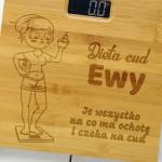 waga z naturalnego bambusa z grawerem