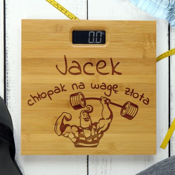 personalizowana waga z bambusa dla chłopaka