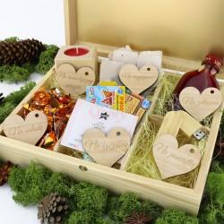 grawerowane drewniane pudełko z przegródkami na podziękowania dla rodziców